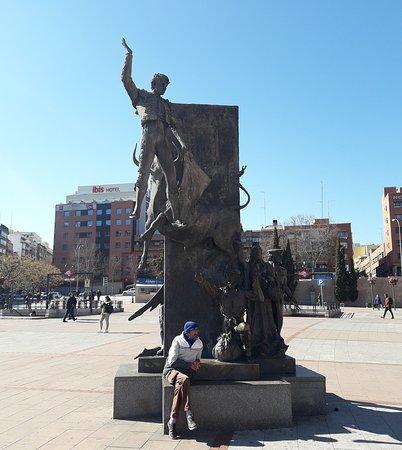 """Estatua a Jose Cubero """"Yiyo"""""""