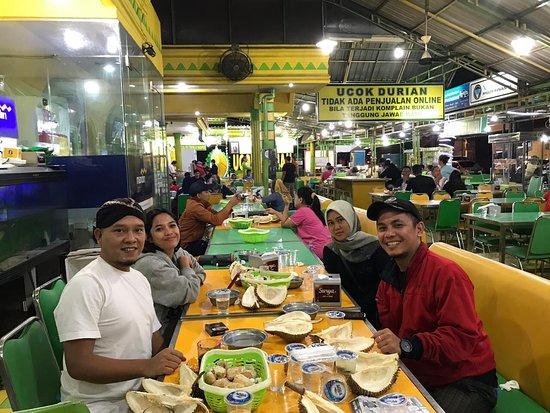 Pusat Kuliner Durian di Medan
