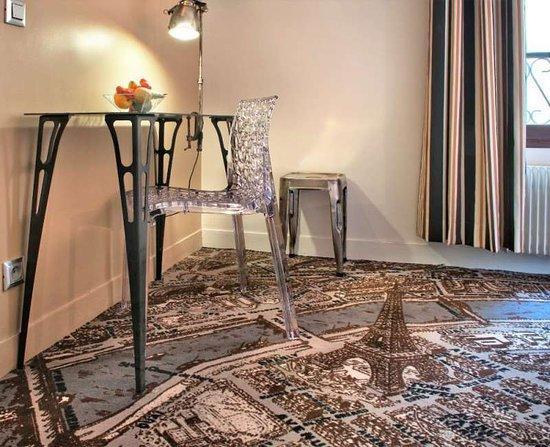 Hotel Alpha Paris Eiffel by Patrick Hayat: Guest room