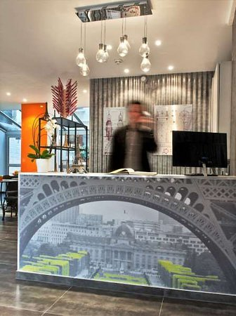 Hotel Alpha Paris Eiffel by Patrick Hayat: Lobby view