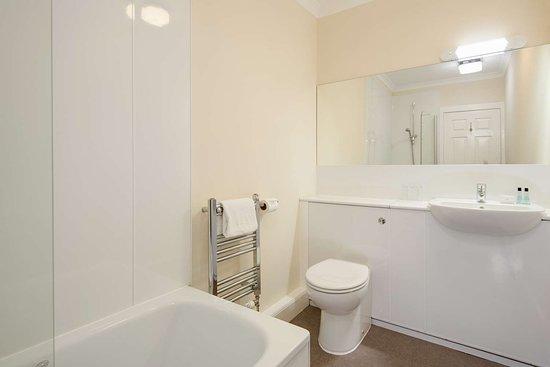 The Inveraray Inn, Signature Collection: Guest Room Bath