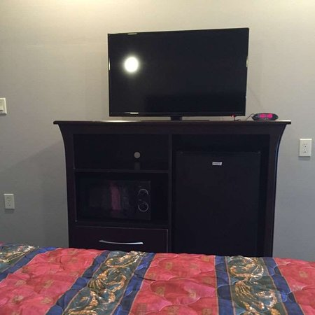 Classic Inn Suites Humble Room