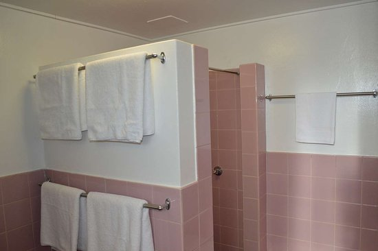 كارينجا موتل: Family Guest Room Bath