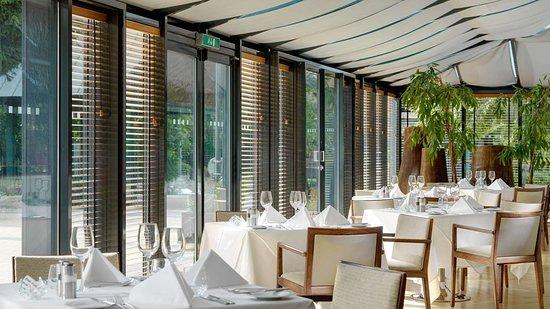 Herbert Park Hotel and Park Residence: Terrace Restaurant