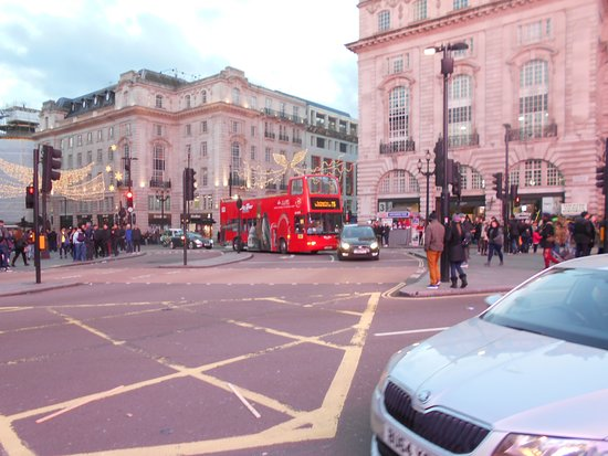 London Buses: ピカデリーサーカスのロンドンバス