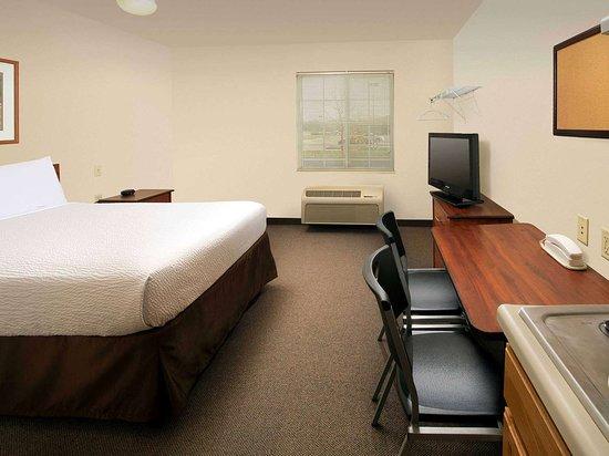 Generic WoodSpring Suites One Bed Su