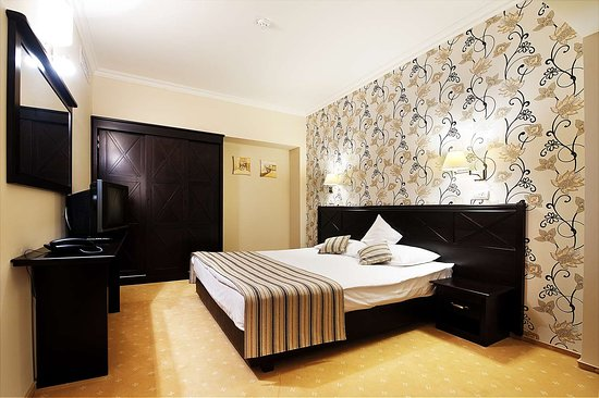 Best Western Plus Lido Hotel: Family Suite with King Bed