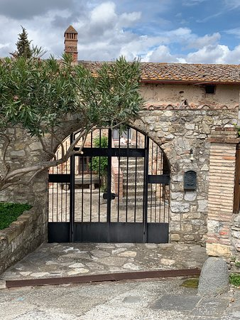 Borgo Di Gaiole: Impression of ambiance and location