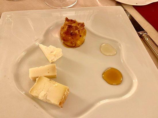 Osteria di Passignano: Cheese selection with pear-filled pastry--Osteria di Passignano