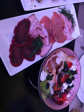 греческий салат, мясная нарезка