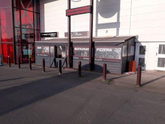 parking CarrefourMarket