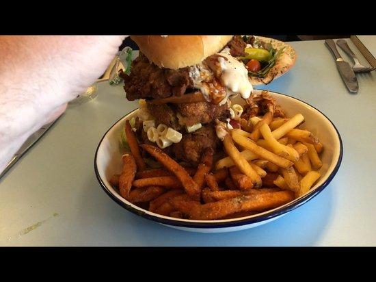 Yard And Coop Leeds: My Mark 4 burger!