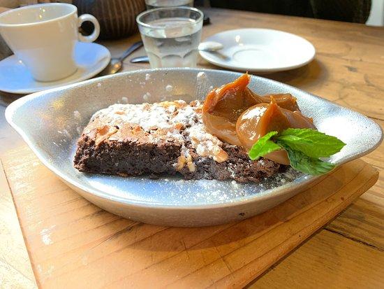 Mazzo Coffee and Deli: Breakfast at Mazzo cafe