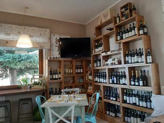 Arredamento Bar Country.Arredamento Country Chic Picture Of La Cantina Wine Bar