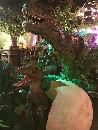 T-Rex Restaurant: Roarrr