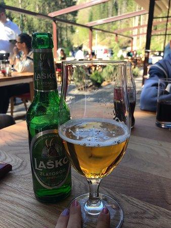 Sekovici, Bośnia i Hercegowina: Zakladna skola , skvela restauracia , park a domace prostredie
