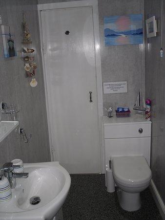 En-suite Bathroom in Room 2
