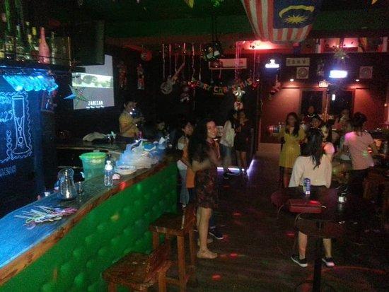 Lundouz Karaoke & Bar