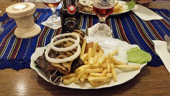 Restaurant Rhodos: Leckerer Grillteller.......