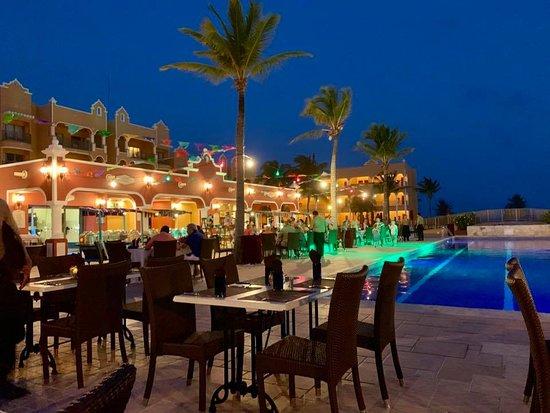 ذا رويال هاسينداز شامل جميع الخدمات: Mexican Night