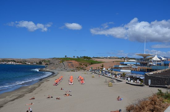 Strand aan het einde van de Paseo Meloneras