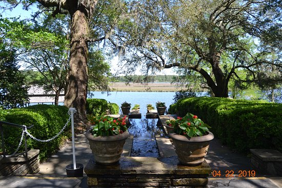Bellingrath Gardens and Home: Overlooking the river.