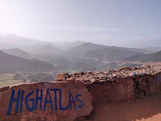 Desert Tours Marocco  Day Tours: High Atlas mountains view