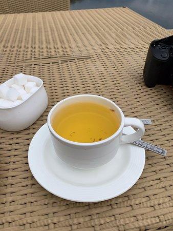 Kashmiri tea