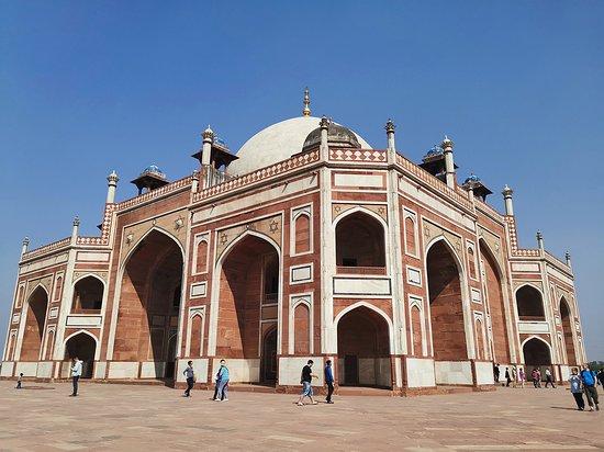 Agate Travel: Humayun's tomb, New Delhi