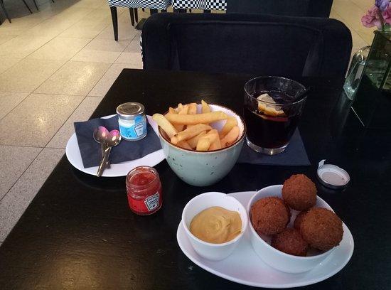WestCord Fashion Hotel Amsterdam: DINNER AT THE BAR