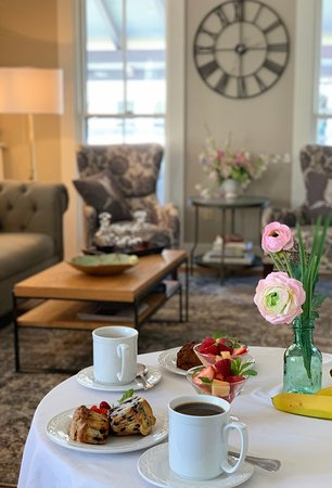 Continental breakfast included when you book direct with us at The Oak Bluffs Inn