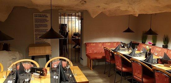 """Restaurant The Cafe mit Blick auf den Wein """"Kerker"""""""
