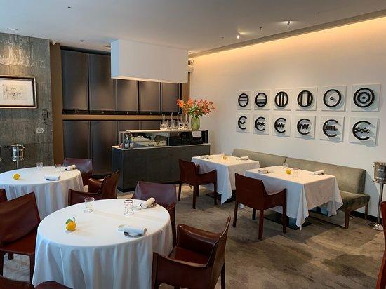 Octavium Italian Restaurant: Not a big restaurant but nice decor