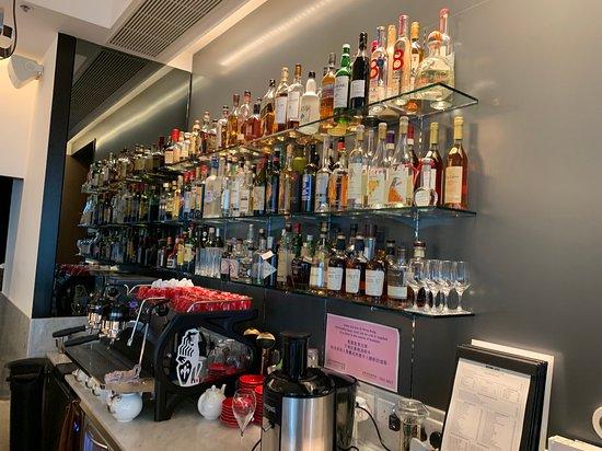 Octavium Italian Restaurant: The Bar
