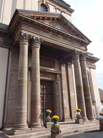 Burnhaupt-le-Bas, Eglise St Pierre et St Paul (entrée principale)