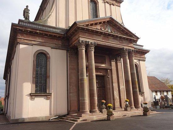 Eglise Saint-Pierre et Saint-Paul: Burnhaupt-le-Bas, Eglise St Pierre et St Paul (façade principale et entrée)