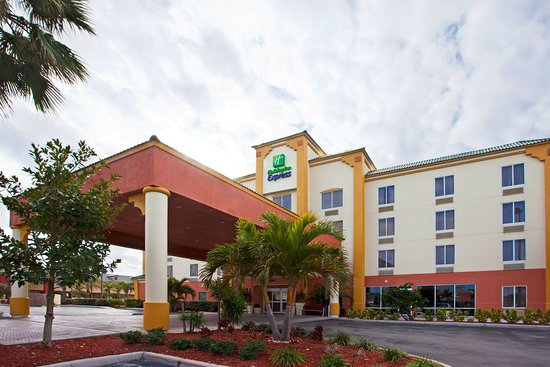 Holiday Inn Express Cocoa Beach Hotel