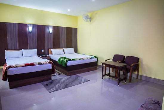 Galaxy Guest House: Delxue Double Room with Private Bathroom