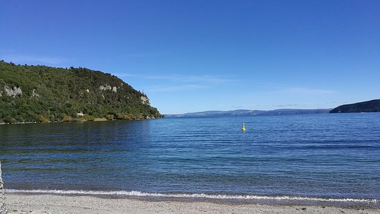 Kinloch bay is a swimming and kayaking paradise.