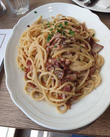 Spaghetti _at Cafe de L'Europe
