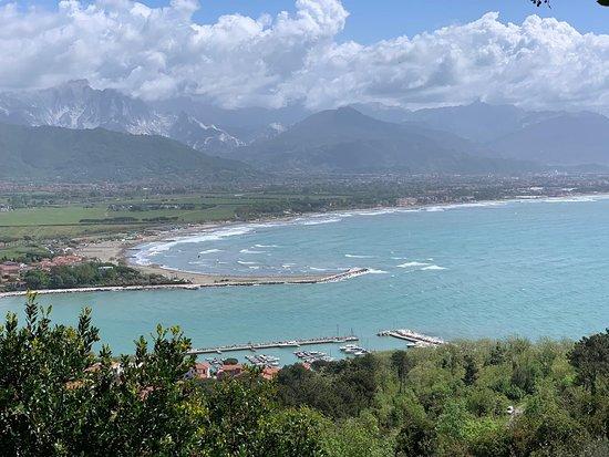 Province of La Spezia, Italie : Veduta del fiume Magra e costa ligure ...Bocca di magra