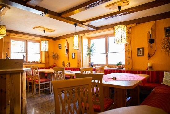 Ferienanlage Morgenfurt: Frühstücksraum Zirbenstube