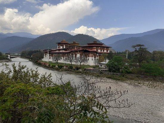 תמונה מPunakha Dzong