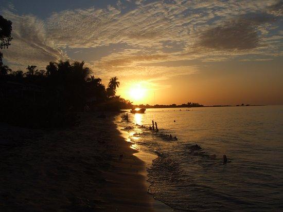 Saint-Louis, Sénégal : couche de soleil dans les iles du Saloum