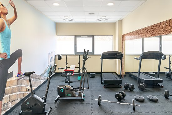 Metropolo by Golden Tulip: Fitness Room