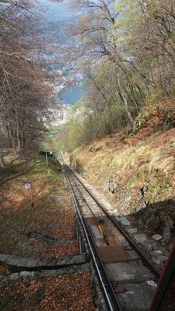 Monte San Salvatore: Tracciato della funicolare