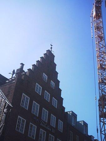 Auf der Kaß-Straße, der Einkaufstraße in Emmerich, am Rhein. Baustelle am alten Markt.
