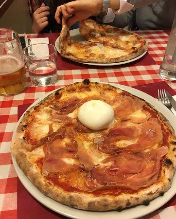 Pizza Samu ( with jamón and Burrata)  + Pizza with sausage