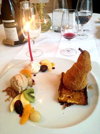 Poire pochée au Ratafia & sa glace pain d'épices (Nicolas Brivet- Restaurant de la Basilique)