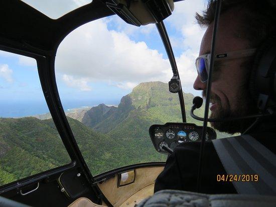 Mauna Loa Helicopter Tours: Captain Nils